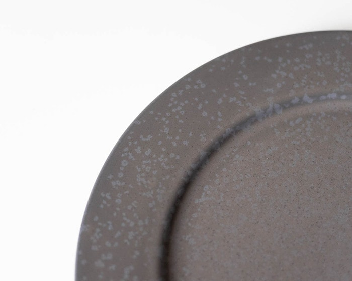 Image of black color of stoneware plate