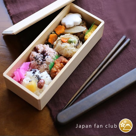 Wooden bento box and lacquer chopsticks of Wajima Kirimoto