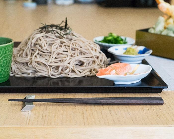 木材本来の色ムラや色味が美しい黒檀箸