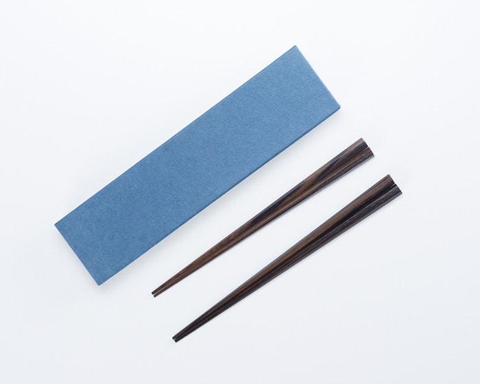六角黒檀箸の夫婦箸と専用の化粧箱