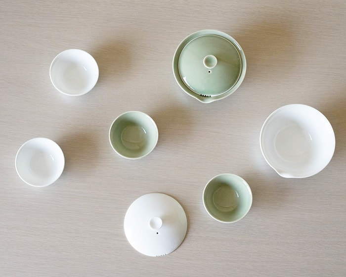 White and celadon houhin tea sets of WDH