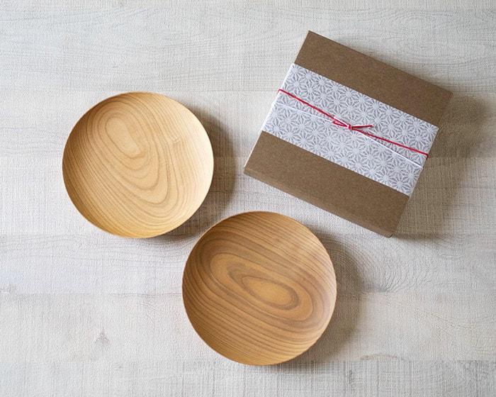 山桜ノ木皿と無料ラッピングのイメージ