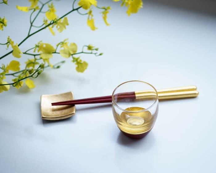 鳥羽漆芸のうるしの酒盃と箔一の金箔箸セット