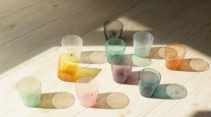 Each glass has each color of shade