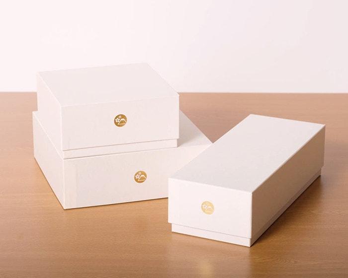 3種類のサイズのJDSオリジナルギフトボックス