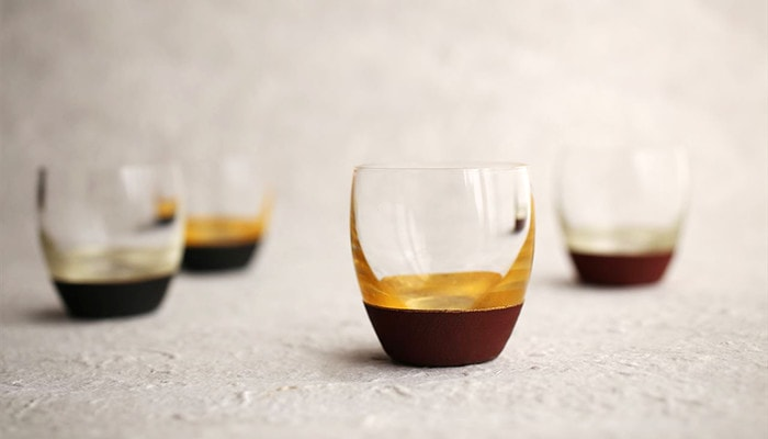 4 lacquered sake cups of Toba Shitsugei