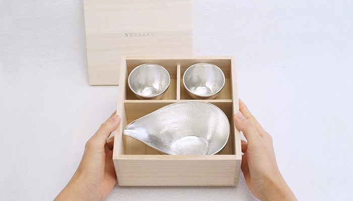Sake sets of Nousaku within paulownia box