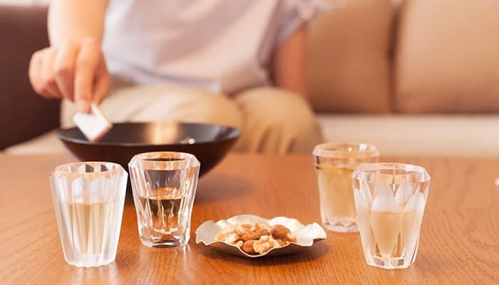 4 shot glasses of MITATE from Kimura Glass on the table