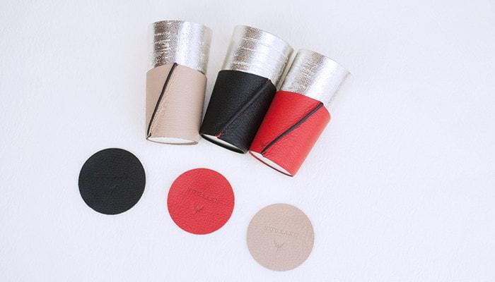 3種類のカラーのビアカップのシラカバセットが並んでいる