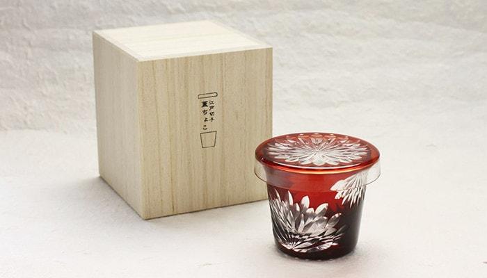 廣田硝子の蓋ちょこが1つと専用の桐箱