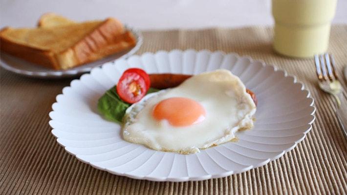朝食にパレスプレートの食器を使用した使用例
