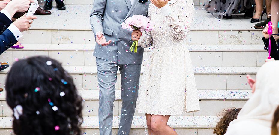 結婚祝いの相場一覧!~結婚式に出席する場合