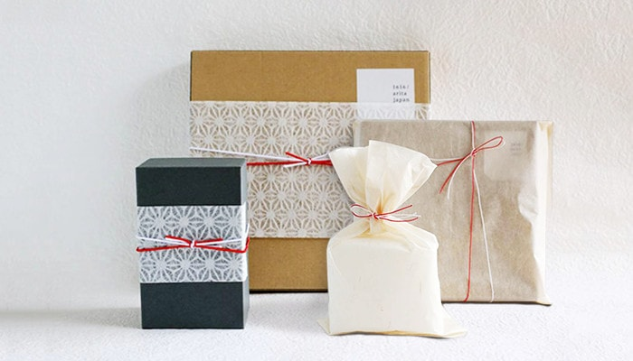Images of gift wrapping of Japan Design Store