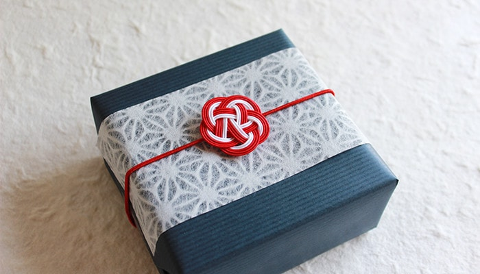 Image of gift wrapping with Japanese Ume-Mizuhiki