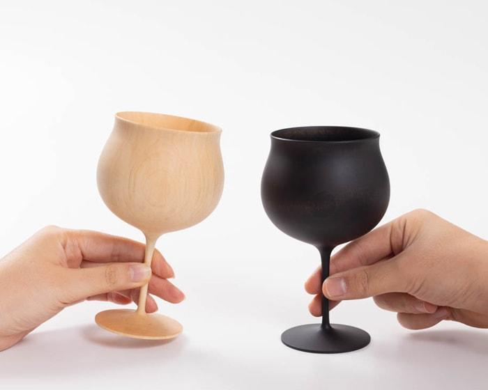 珍しい、木製のワイングラス