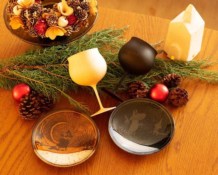 ムーミン小皿や木製ワイングラスを使用したクリスマスコーディネート