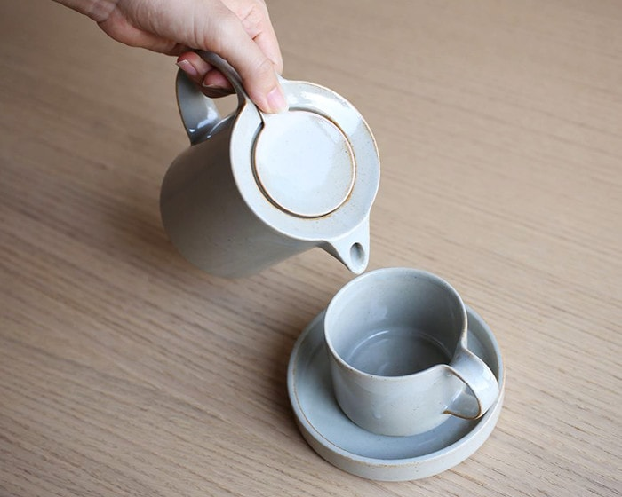 Coffee pot from Moderato series of ceramic japan