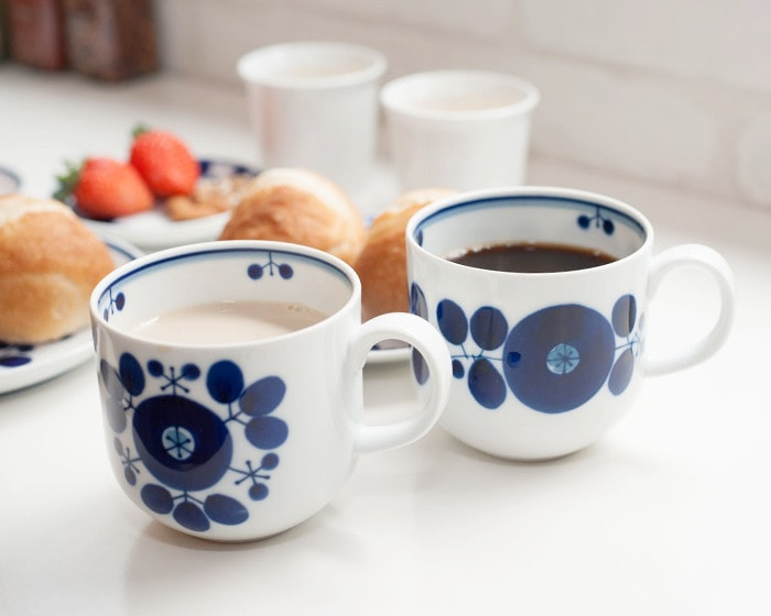 Mugs of Wreath and Bouquet from Bloom series of Hakusan Toki