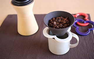 Make a cup of perfect coffee with Japanese coffee accessories