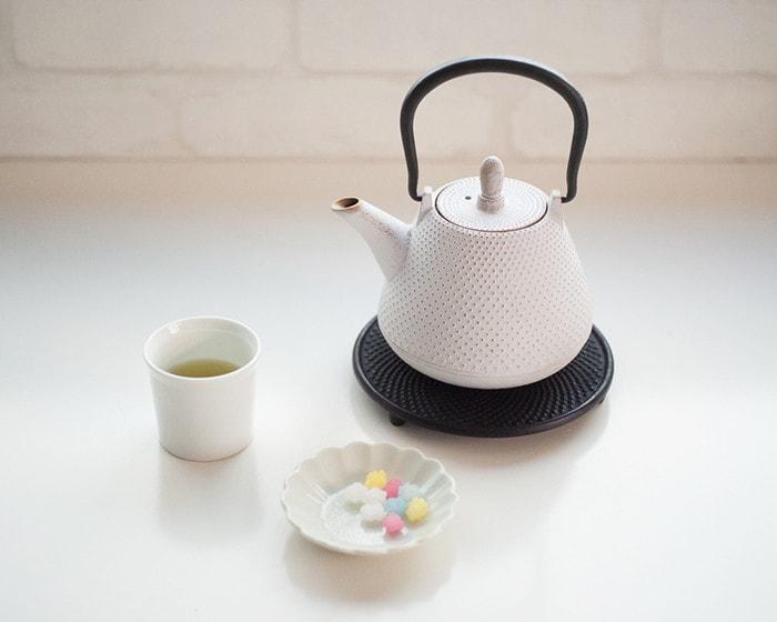 お茶セットとRojiカラーティーポット