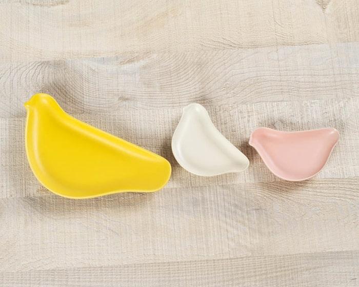 黄色のTORIZARAと白とピンクのKOTORIZARA