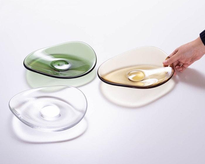 3色のスガハラのガラスプレートtutti