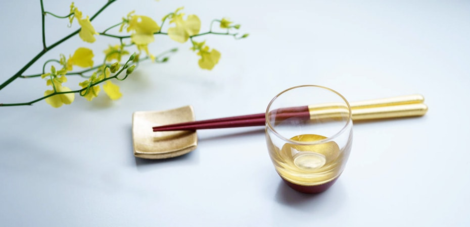 Gold tableware with kinpaku