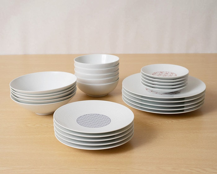 Beautiful white porcelain of Hasami porcelain from Eiho porcelain
