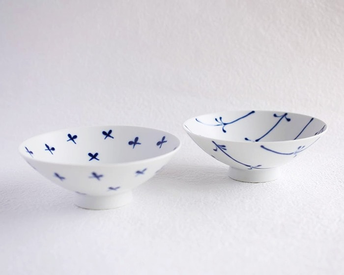 Blue and white Hasami bowls Flat rice bowls