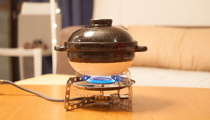 Heating Kamado-san over medium high heat