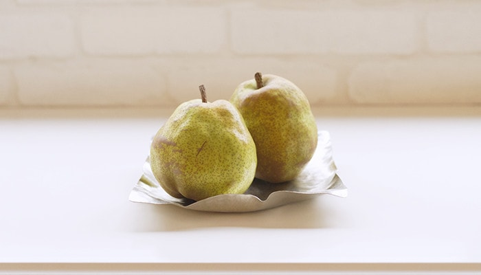 2 pears on a fruit basket of suzugami