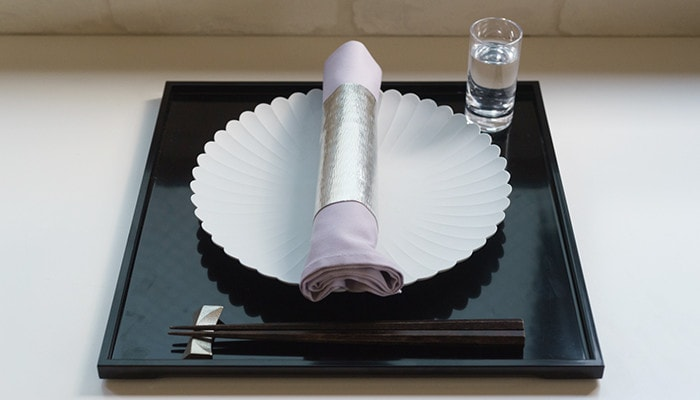 Wrap purple napkin with suzugami
