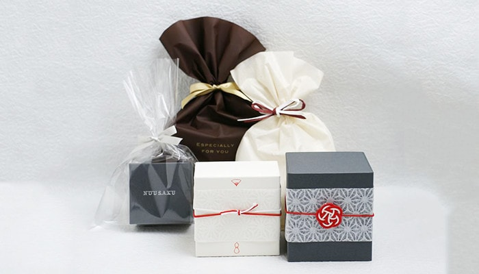 Gift wrapping of Japan Design Store
