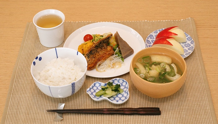 Basic Japanese table setting with tableware from 1616/arita japan and Azmaya