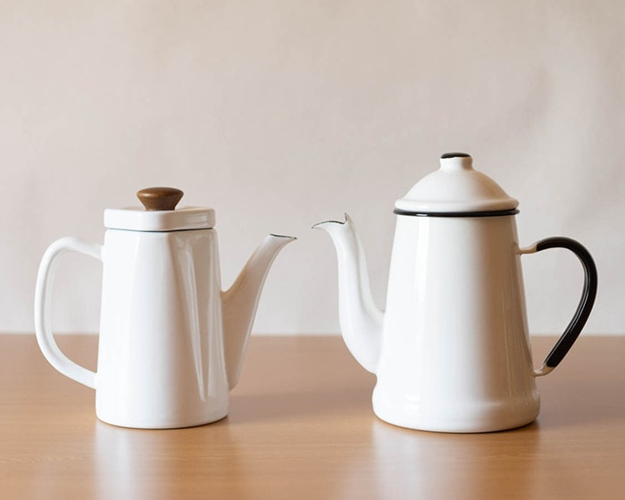 Enamel tea kettles of Noda Horo, Anbi and L'ambre pot