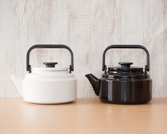 White and black Amukettle from Noda Horo