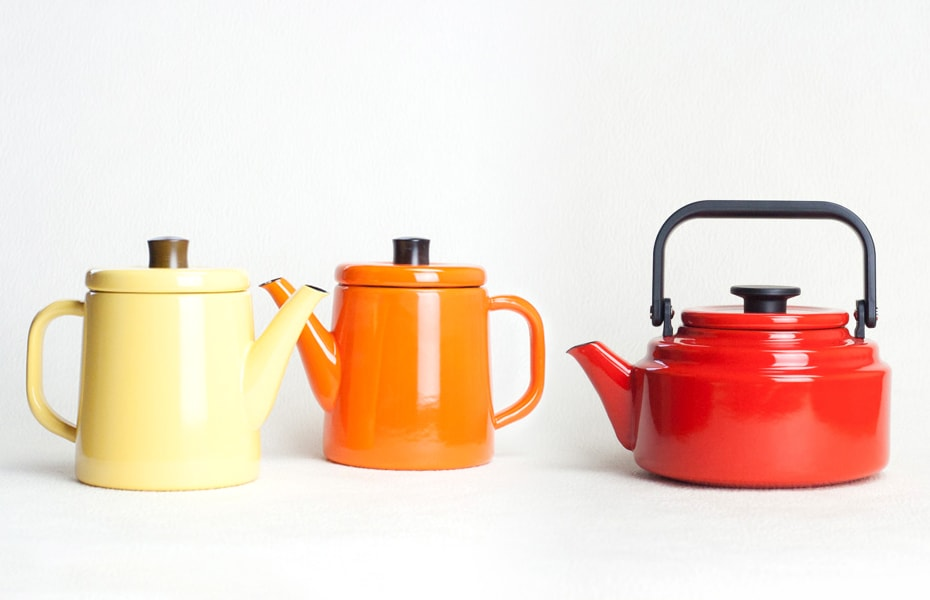 Cute enamel tea kettles from Noda Horo