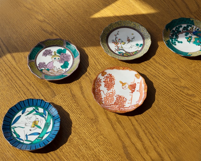 Plates of Moomin JAPAN Kutani -GOSAI- on the table