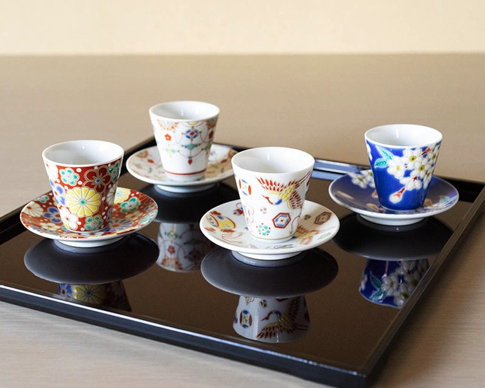 Cups and saucers set of Kissho series on a tray