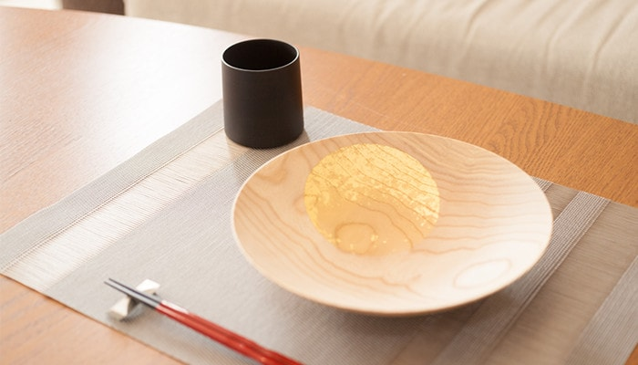 Oborozuki bowl and wooden cup from Gato Mikio