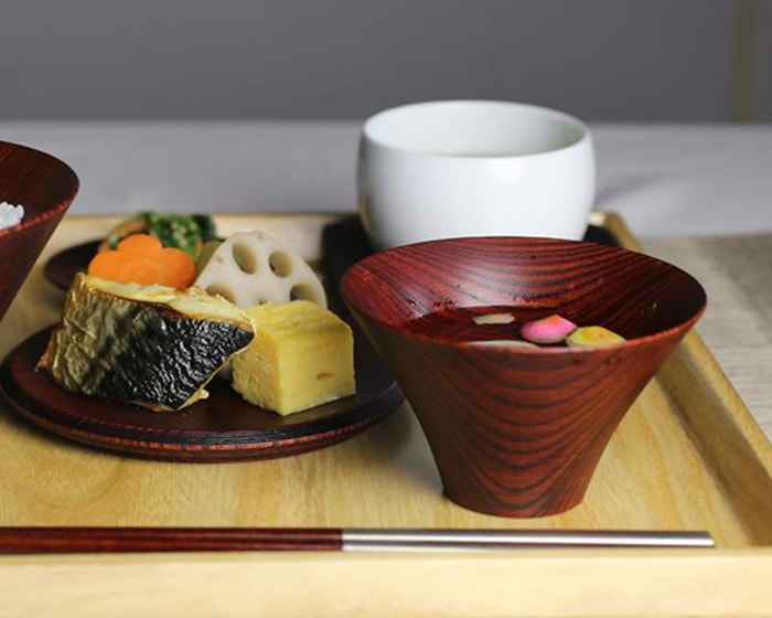 Soup in lacquer bowl of TSUMUGI