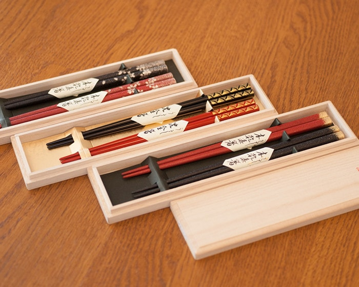 3 sets of lacquered 2 pairs of chopsticks