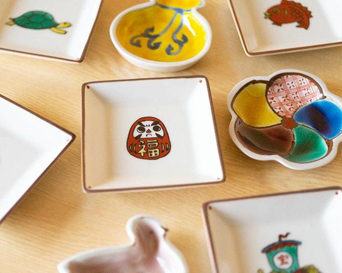 東屋の豆皿や小皿、1616aritajapanのパレスプレートを使用した食卓の様子