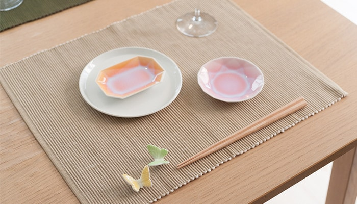 Table setting with ARITA JEWEL and butterfly chopstick holders