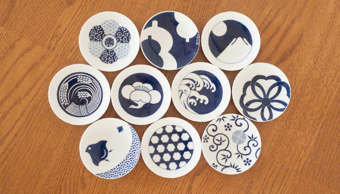 10 types of KOMON plates on the table