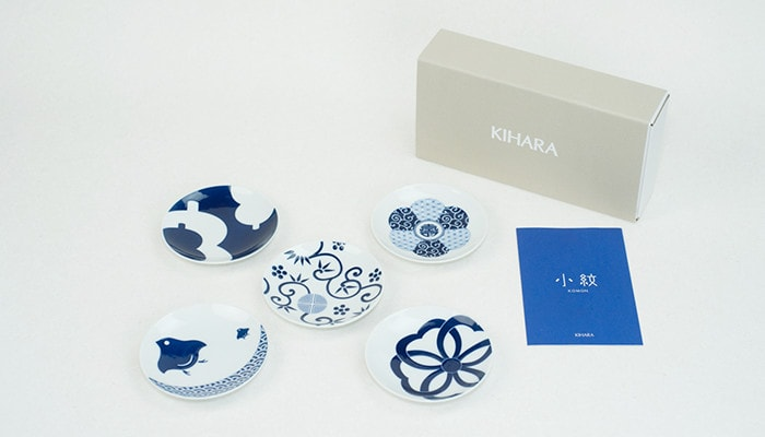 Set of KOMON plates of KIHARA with its exclusive box and description card