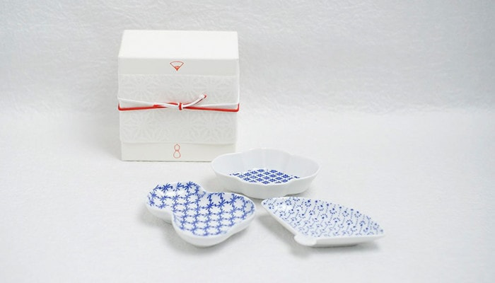 Inban-mamezara plates and easy wrapping of Japan Design Store