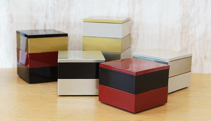 色とりどりのJDSオリジナルの重箱が並んでいる