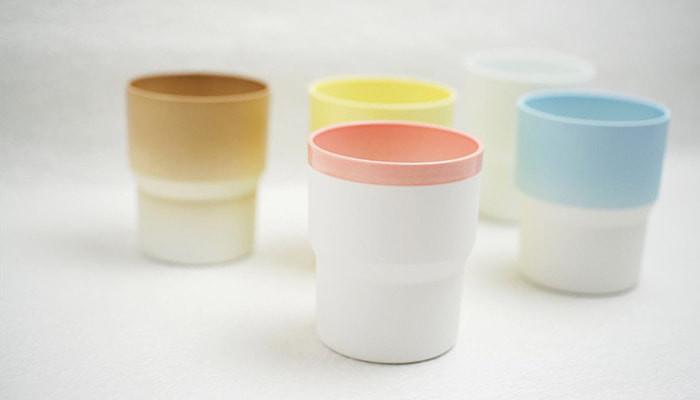 1616/arita japanのマグカップが5つランダムに並んでいる