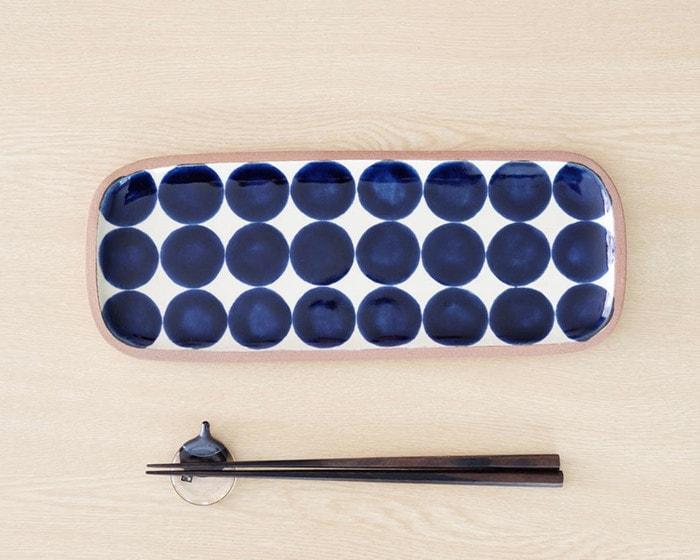 呉須丸紋(ごすまるもん)柄のやちむん長方皿
